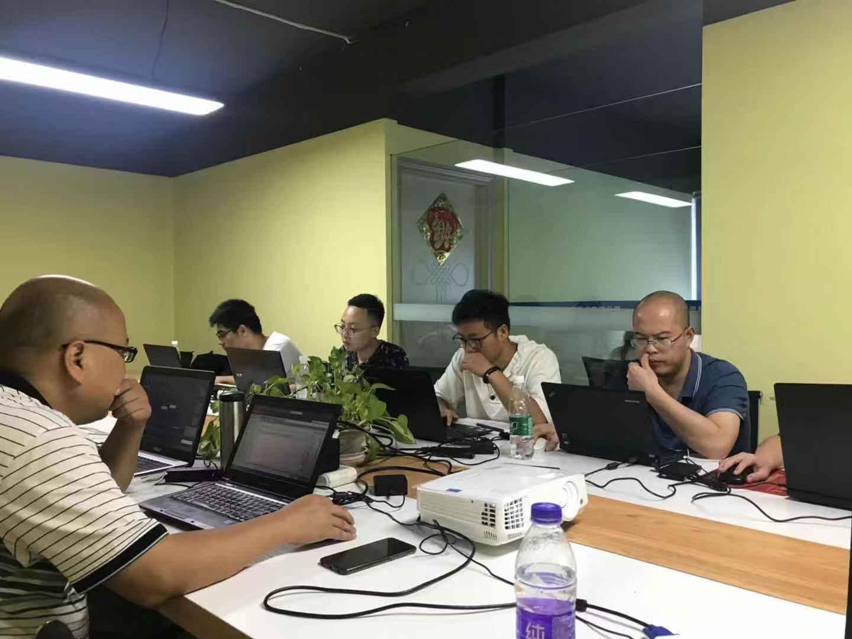 iS-RPA 技术认证培训 - 武汉 20190828 班 - 培训开始
